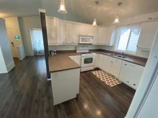 Photo 10: 2408 30 Avenue in Edmonton: Zone 30 House for sale : MLS®# E4216669