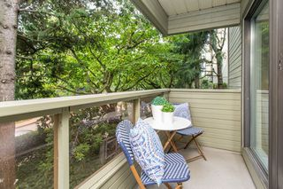 """Photo 14: 102 225 MOWAT Street in New Westminster: Uptown NW Condo for sale in """"The Windsor"""" : MLS®# R2505815"""