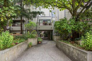 """Photo 20: 102 225 MOWAT Street in New Westminster: Uptown NW Condo for sale in """"The Windsor"""" : MLS®# R2505815"""
