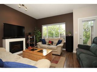 Photo 2: 35 18701 66 Avenue in Cloverdale: Condo for sale : MLS®# F1223519 New