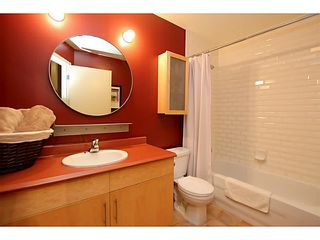 """Photo 12: 307 549 COLUMBIA Street in New Westminster: Downtown NW Condo for sale in """"C2C LOFTS AND FLATS"""" : MLS®# V1036506"""