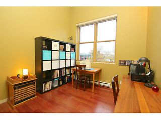 """Photo 11: 307 549 COLUMBIA Street in New Westminster: Downtown NW Condo for sale in """"C2C LOFTS AND FLATS"""" : MLS®# V1036506"""