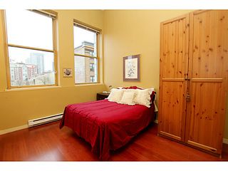 """Photo 7: 307 549 COLUMBIA Street in New Westminster: Downtown NW Condo for sale in """"C2C LOFTS AND FLATS"""" : MLS®# V1036506"""