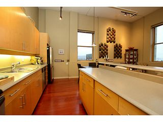 """Photo 5: 307 549 COLUMBIA Street in New Westminster: Downtown NW Condo for sale in """"C2C LOFTS AND FLATS"""" : MLS®# V1036506"""