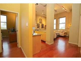 """Photo 9: 307 549 COLUMBIA Street in New Westminster: Downtown NW Condo for sale in """"C2C LOFTS AND FLATS"""" : MLS®# V1036506"""