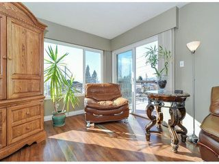 Photo 3: 945 DELESTRE Avenue in Coquitlam: Maillardville House 1/2 Duplex for sale : MLS®# V1050049
