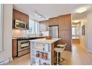 Photo 6: 301 562 E 7TH Avenue in Vancouver: Mount Pleasant VE Condo for sale (Vancouver East)  : MLS®# V1063806