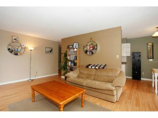 "Photo 3: 305 15265 ROPER Avenue: White Rock Condo for sale in ""WILTSHIRE"" (South Surrey White Rock)  : MLS®# F1429857"