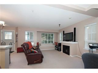 "Photo 4: 16 7503 18TH Street in Burnaby: Edmonds BE Townhouse for sale in ""SOUTHBOROUGH"" (Burnaby East)  : MLS®# V1110000"