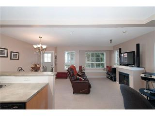 "Photo 2: 16 7503 18TH Street in Burnaby: Edmonds BE Townhouse for sale in ""SOUTHBOROUGH"" (Burnaby East)  : MLS®# V1110000"