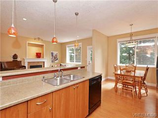 Photo 6: 933 Cavalcade Terr in VICTORIA: La Florence Lake Single Family Detached for sale (Langford)  : MLS®# 696675