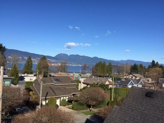 """Photo 3: 4546 BELMONT Avenue in Vancouver: Point Grey House for sale in """"Point Grey"""" (Vancouver West)  : MLS®# V1118801"""
