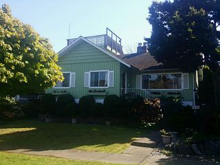 "Photo 2: 4546 BELMONT Avenue in Vancouver: Point Grey House for sale in ""Point Grey"" (Vancouver West)  : MLS®# V1118801"