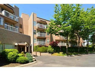 "Photo 1: 3 1860 E SOUTHMERE Crescent in Surrey: Sunnyside Park Surrey Condo for sale in ""Southmere Villa"" (South Surrey White Rock)  : MLS®# F1442487"