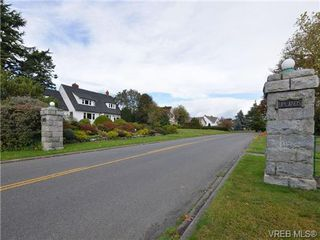 Photo 5: 2990 Rutland Rd in VICTORIA: OB Uplands House for sale (Oak Bay)  : MLS®# 719689