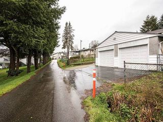 Photo 10: 950 QUADLING Avenue in Coquitlam: Maillardville House for sale : MLS®# R2037254