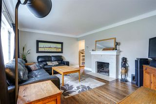 Photo 3: 1026 SEVENTH Avenue in New Westminster: Moody Park House for sale : MLS®# R2043656