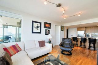 "Photo 3: : White Rock Condo for sale in ""The ""Avra"""" (South Surrey White Rock)  : MLS®# R2064755"