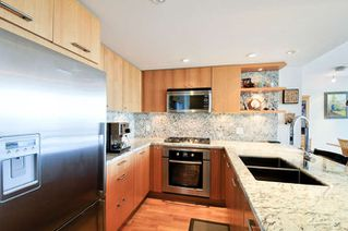 "Photo 5: : White Rock Condo for sale in ""The ""Avra"""" (South Surrey White Rock)  : MLS®# R2064755"