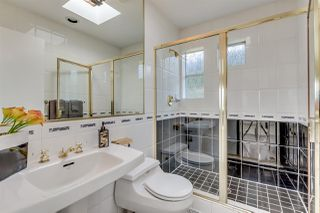 Photo 15: 2421 EDDINGTON Drive in Vancouver: Quilchena House for sale (Vancouver West)  : MLS®# R2093197