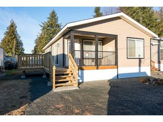 """Main Photo: 58 6338 VEDDER Road in Chilliwack: Sardis East Vedder Rd Manufactured Home for sale in """"MAPLE MEADOWS MOBILE HOME PARK"""" (Sardis)  : MLS®# R2130579"""