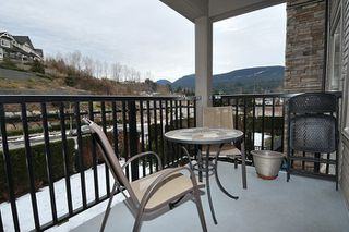 "Photo 13: 303 3178 DAYANEE SPRINGS Boulevard in Coquitlam: Westwood Plateau Condo for sale in ""TAMARACK"" : MLS®# R2139006"