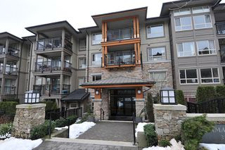"Photo 1: 303 3178 DAYANEE SPRINGS Boulevard in Coquitlam: Westwood Plateau Condo for sale in ""TAMARACK"" : MLS®# R2139006"