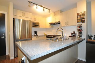 "Photo 6: 303 3178 DAYANEE SPRINGS Boulevard in Coquitlam: Westwood Plateau Condo for sale in ""TAMARACK"" : MLS®# R2139006"