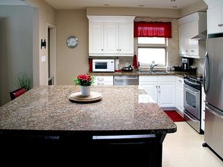 Photo 6: 9 Ridgehampton Court in Toronto: Stonegate-Queensway House (Bungalow) for lease (Toronto W07)  : MLS®# W3719310