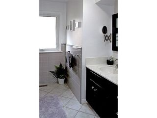 Photo 12: 9 Ridgehampton Court in Toronto: Stonegate-Queensway House (Bungalow) for lease (Toronto W07)  : MLS®# W3719310