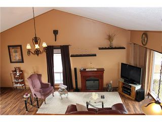 Photo 10: 88 MCKENNA Way SE in Calgary: McKenzie Lake House for sale : MLS®# C4110663