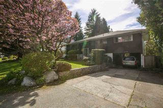 Photo 2: 620 PORTER Street in Coquitlam: Central Coquitlam House for sale : MLS®# R2164507
