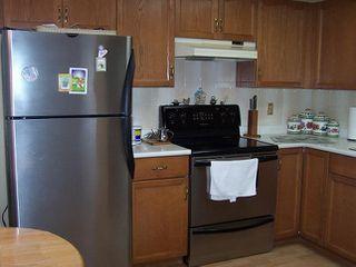 Photo 4:  in Estates at Manor Ridge: Home for sale