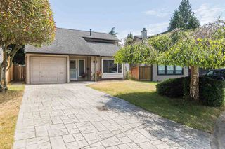 "Main Photo: 11870 STAPLES Crescent in Delta: Sunshine Hills Woods House for sale in ""Sunshine Hills"" (N. Delta)  : MLS®# R2185819"