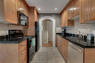 Photo 3: 949 RAYMOND Avenue in Port Coquitlam: Lincoln Park PQ House for sale : MLS®# R2194500