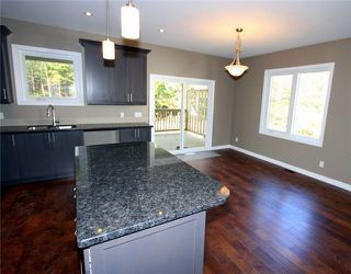 Photo 7: 25 Pinewood Boulevard in Kawartha Lakes: Rural Eldon House (Bungalow-Raised) for sale : MLS®# X3998293