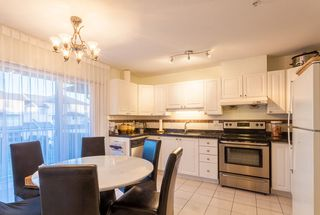 "Photo 3: 18 2458 PITT RIVER Road in Port Coquitlam: Mary Hill Townhouse for sale in ""SHAUGNESSY MEWS"" : MLS®# R2232371"