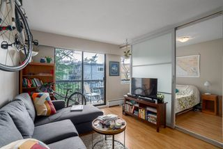 """Photo 7: 308 2330 MAPLE Street in Vancouver: Kitsilano Condo for sale in """"Maple Gardens"""" (Vancouver West)  : MLS®# R2248954"""