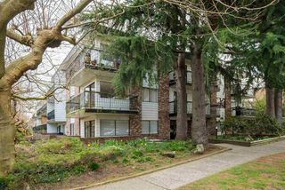 """Photo 2: 308 2330 MAPLE Street in Vancouver: Kitsilano Condo for sale in """"Maple Gardens"""" (Vancouver West)  : MLS®# R2248954"""