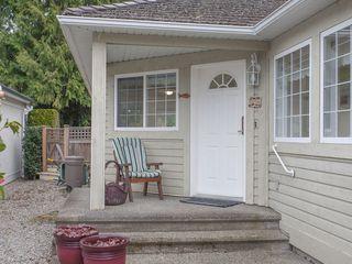 Photo 3: 555 Seaward Way in Oceanside Estates: House for sale : MLS®# 422023