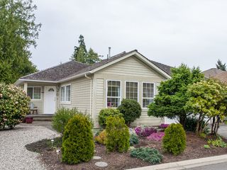 Photo 2: 555 Seaward Way in Oceanside Estates: House for sale : MLS®# 422023