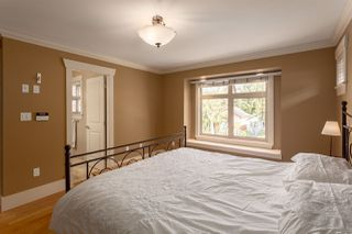 """Photo 11: 1834 E 6TH Avenue in Vancouver: Grandview VE House 1/2 Duplex for sale in """"COMMERCIAL DRIVE"""" (Vancouver East)  : MLS®# R2260819"""