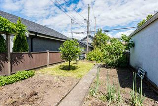 Photo 18: 3553 TRIUMPH Street in Vancouver: Hastings East House for sale (Vancouver East)  : MLS®# R2273868