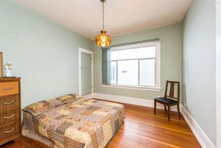 Photo 8: 3553 TRIUMPH Street in Vancouver: Hastings East House for sale (Vancouver East)  : MLS®# R2273868