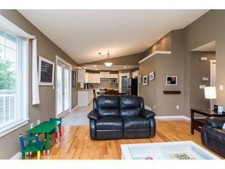 """Photo 5: 1 20292 96 Avenue in Langley: Walnut Grove House for sale in """"Brookwynd"""" : MLS®# R2282427"""