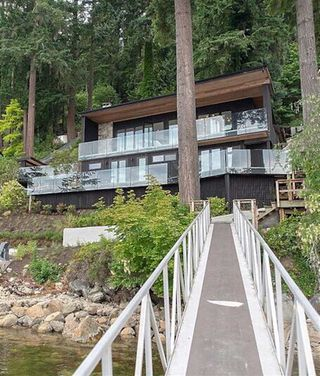 Photo 1: 5630 INDIAN RIVER Drive in North Vancouver: Woodlands-Sunshine-Cascade House for sale : MLS®# R2282757