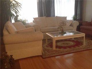 Photo 3: 41 Meadowacres Drive in Toronto: Tam O'Shanter-Sullivan House (Bungalow) for sale (Toronto E05)  : MLS®# E4202792