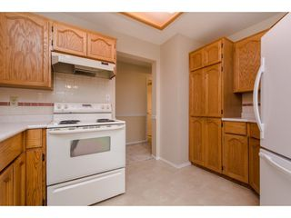"""Photo 11: 112 33401 MAYFAIR Avenue in Abbotsford: Central Abbotsford Condo for sale in """"Mayfair Gardens"""" : MLS®# R2307730"""