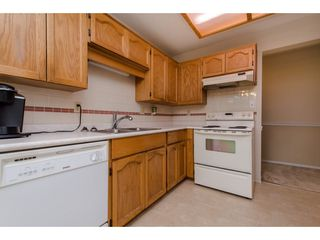 """Photo 9: 112 33401 MAYFAIR Avenue in Abbotsford: Central Abbotsford Condo for sale in """"Mayfair Gardens"""" : MLS®# R2307730"""