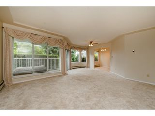 """Photo 4: 112 33401 MAYFAIR Avenue in Abbotsford: Central Abbotsford Condo for sale in """"Mayfair Gardens"""" : MLS®# R2307730"""